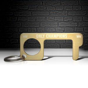 hygienehaken everyday carry no touch tool türöffner aus messing mit goldfarbe beschichtet und gravur spruch only champions foto 07