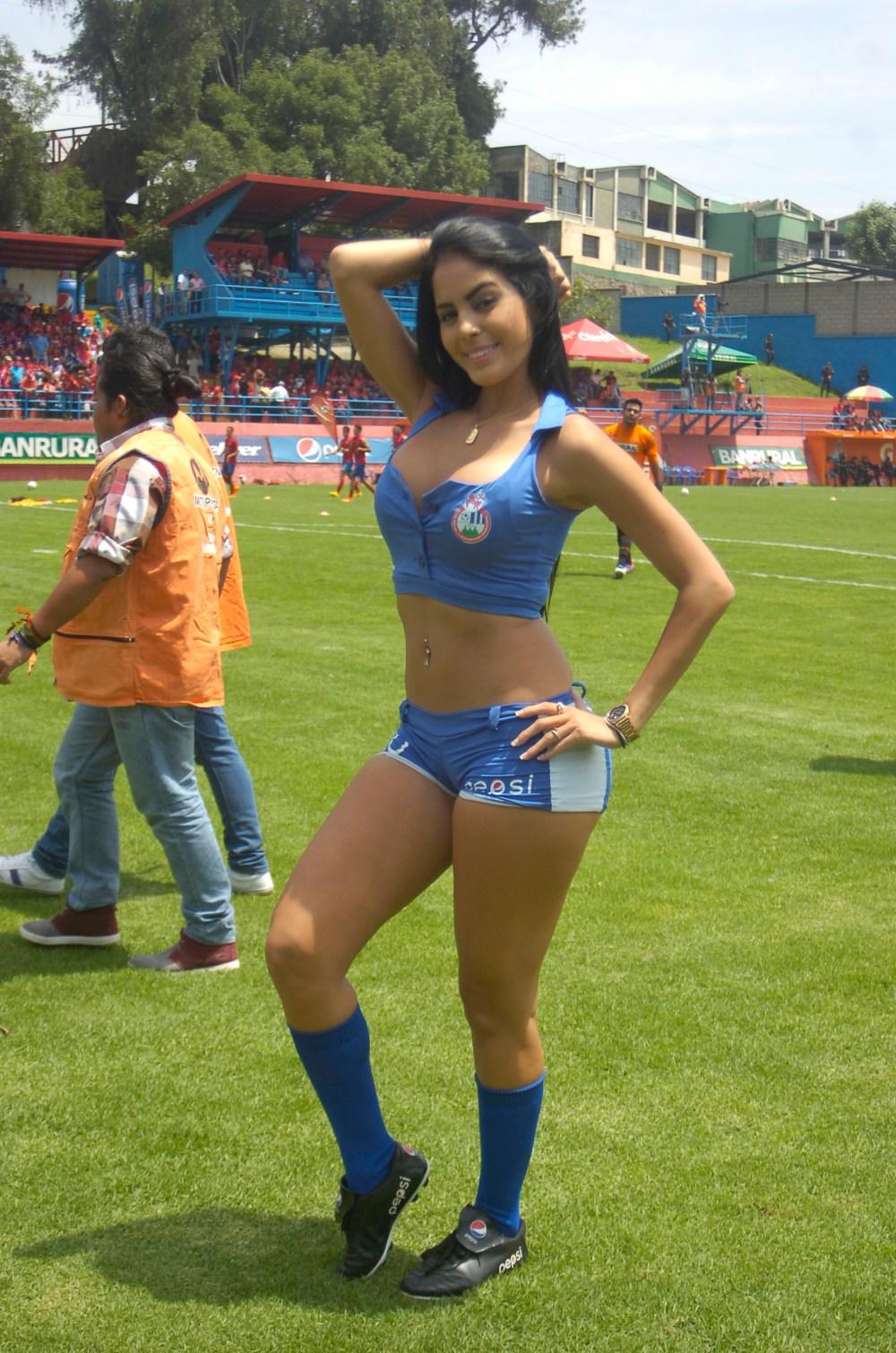Astrid Barona de Venezuela 48