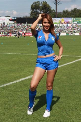 Naylu Chirinos (7)