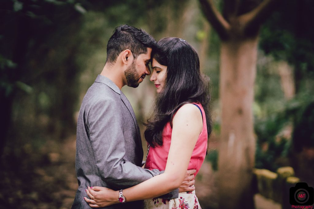 Romantic Pre wedding in Forest | Best Pre wedding Location in Pune | India