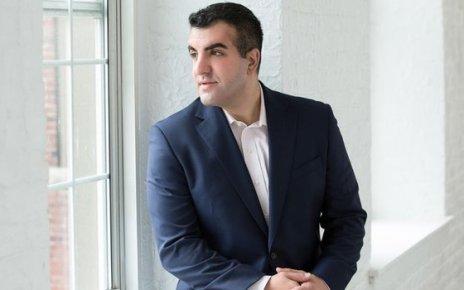 Antreprenorul care a fost refuzat de 150 de ori de investitorii săi și totuși a reușit