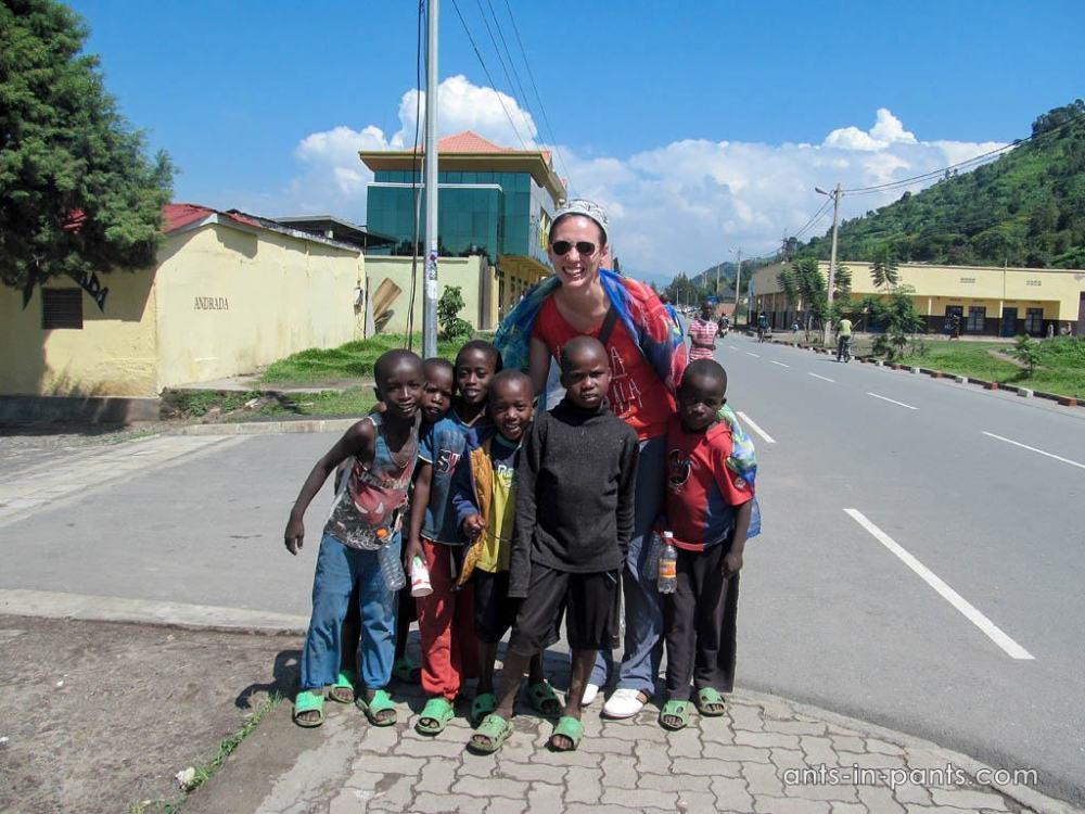 Дети в Руанде