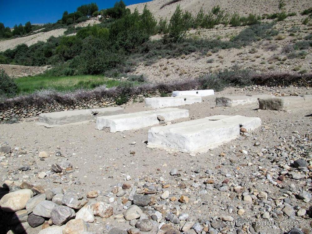 Pamir graveyards
