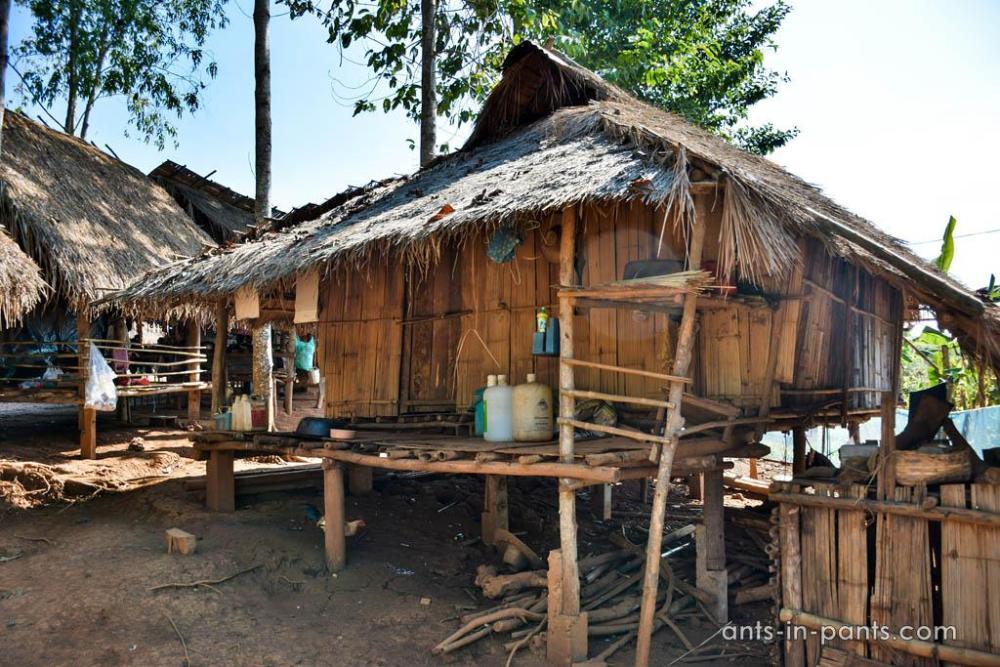 Племя акха