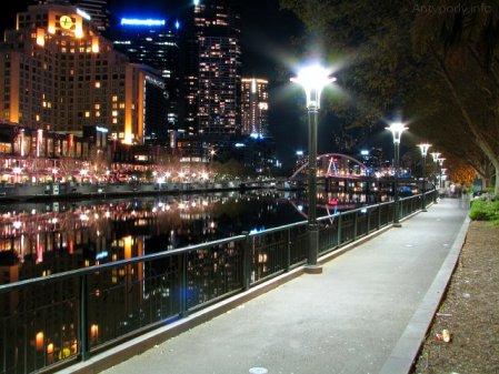 Melbourne nocą - Northbank Walk