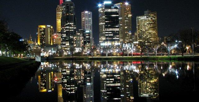 Melbourne nocą nad Yarrą