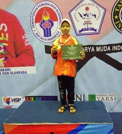 Medali Emas Menpora Cup