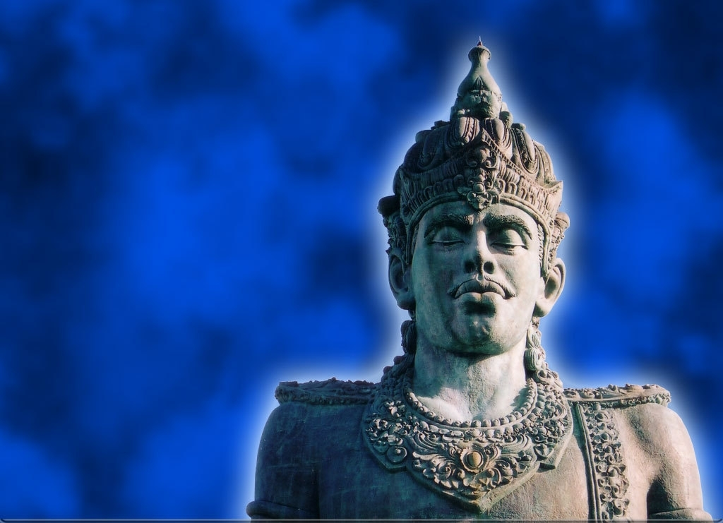gwk statue_blue