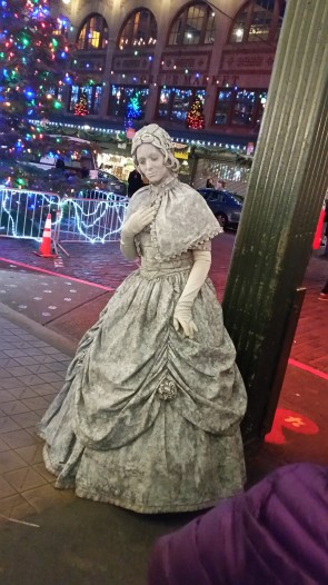 Woman dressed like a statue at Pike's