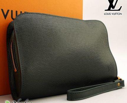 ■【使用わずか】ルイヴィトン Louis Vuitton タイガ バイカル セカンドバッグ エピセア クラッチ メンズ 極美品 定価約15万