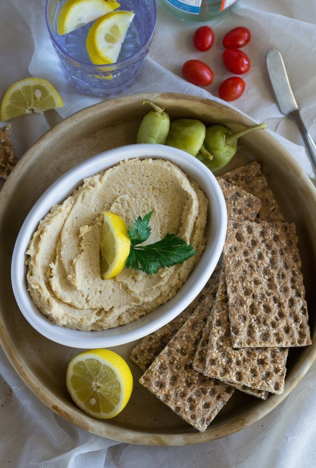 Oil-free Lemon Hummus by An Unrefined Vegan