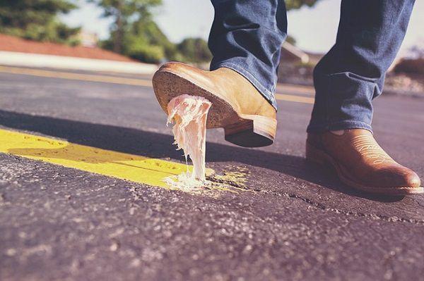 ガムを踏んづけた靴