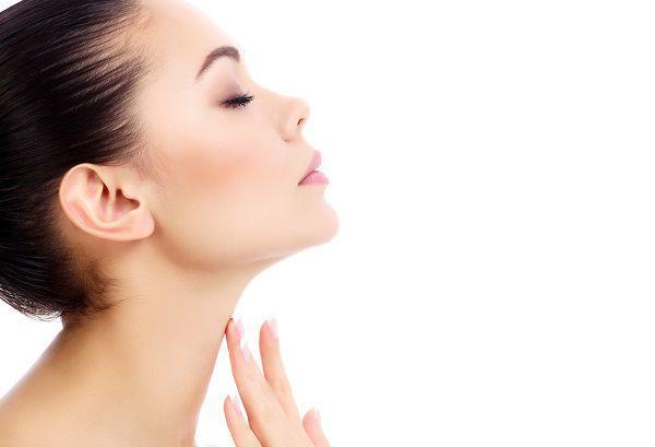 化粧水はカネボウのルナソル