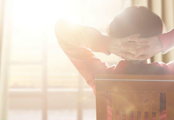 朝の光で体内時計をリセット