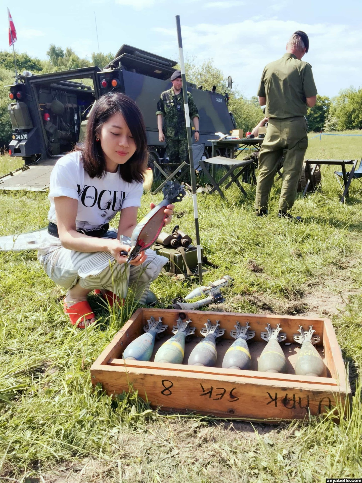 ARMY OPEN HOUSE, AOH, Barracks Open Day,Weaponry,Tank, Bomb,Cannon OOTD,Outfit of the day , Instagram, Blogger,Street Style, Style,Bamboo bag, Lifestyle, Outfit, Fashion,Europe, 兵营开放日,军队开放日,武器装备,坦克,炸弹,大炮, 每日穿搭,时尚博主,生活方式,街拍,风格, 穿搭,时尚, Ins风, ,欧洲