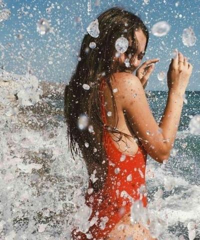 BIKINI,Printing style,Printed bikini,OOTD,Instagram, Blogger,Street Style, Style,Bamboo bag, Lifestyle, Outfit, Fashion,Ocean, Holiday style, Beach,比基尼,印花比基尼,每日穿搭,时尚博主,生活方式,街拍,风格, 穿搭,时尚,大海,度假风,沙滩,Ins风
