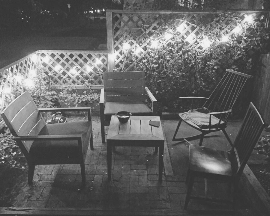 cottage house patio