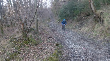 A rare photo of me on the downhill! Fast, open, loose... I like it!