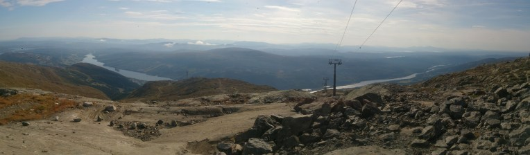A view which shows just how many lines and rocks slabs there were up there