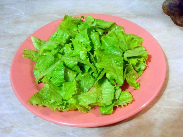 salat-s-krasnoi-riboi-i-pomidorami-1