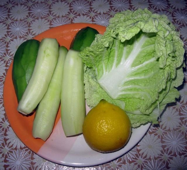 Салат с авокадо, огурцом и пекинской капустой (2)