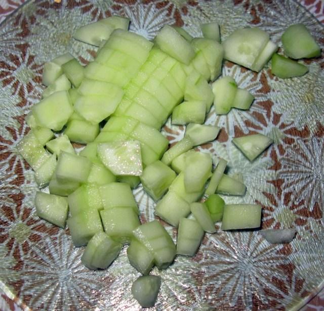 Салат с авокадо, огурцом и пекинской капустой (3)