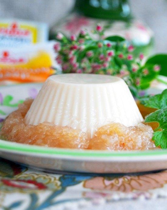 Бланманже из ряженки с яблочно ванильным соусом2