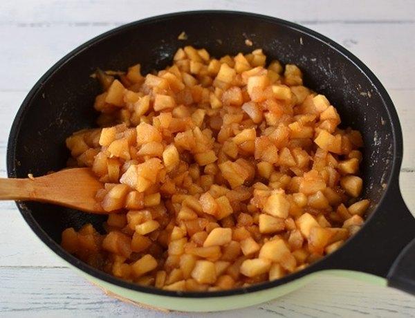 Штрудель с клюквой и яблоками3