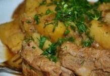 gotovim-v-multivarke-kartofel-s-kopchenymi-rebrami