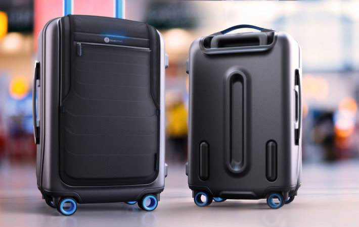 5 Compulsory Tech Accessories For Young Travelers