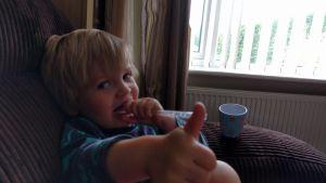 Thumbs up mummy