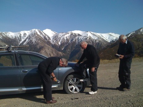 How many men does it take to change a tyre?