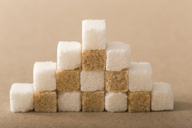 階段に並んだ角砂糖
