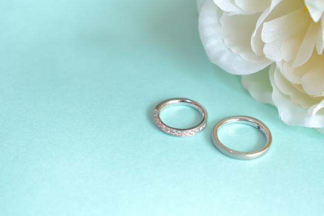婚約指輪ふたつ
