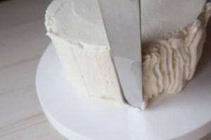 ケーキ 生クリーム 塗り方