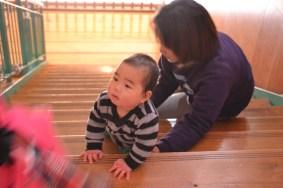 階段下り/0歳児