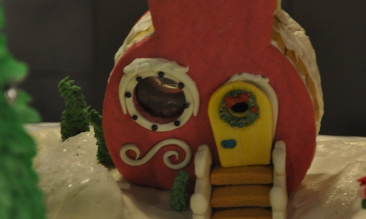 The Grinch Who Stole Christmas Gingerbread House Full