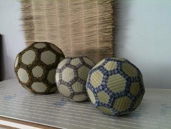 畳のサッカーボール3個