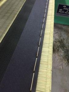 畳縁を縫う