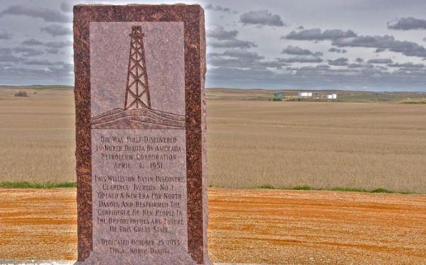first North Dakota oil well