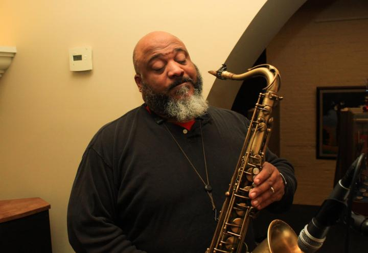 Hobee Luv, smooth holiday saxophonist.