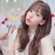 フルアルバムBLOOM IZで韓国でカムバックした白セーターのizone宮脇咲良写真