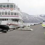 「十和田湖遊覧船」 運航を開始!「残雪の風景を巡った」(2018年4月15日 )