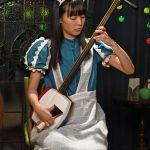 「映画いとみちロケ」駒井さん(青森県平川市出身)メイド姿で三味線