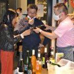 「八戸ワイン」の味に驚き、東京で試飲会
