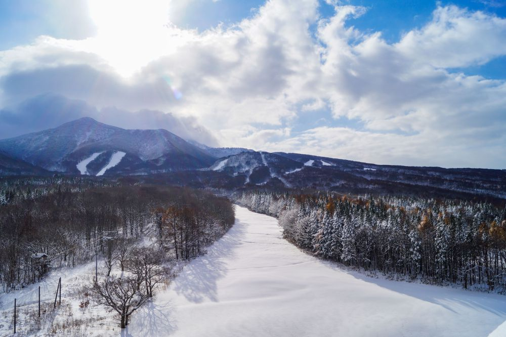 Early Season Snowstorm Transforms Aomori Spring Resort