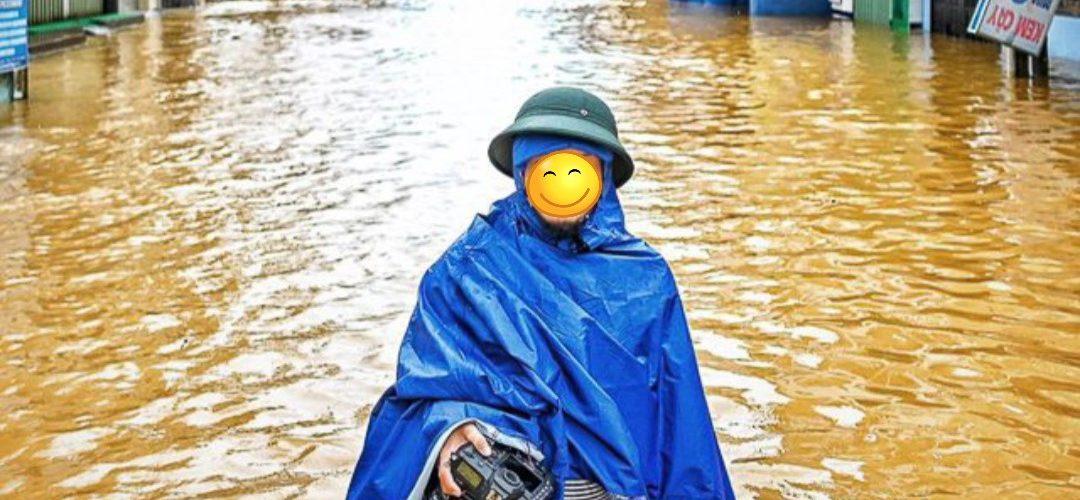 Áo mưa vải dù cứu trợ lũ lụt