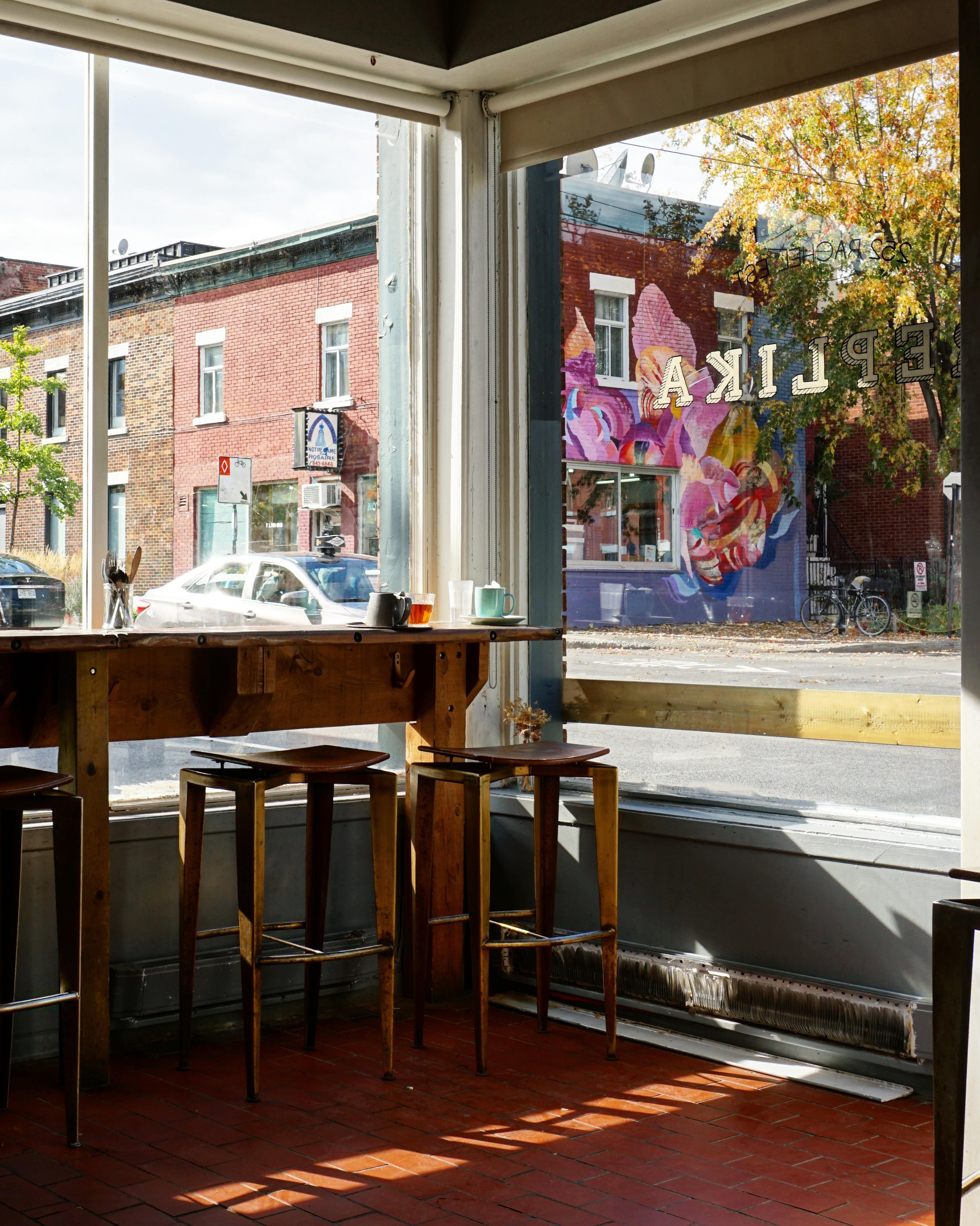 Best coffeeshops in Montreal Replika