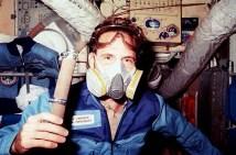 Astronaut Jerry Linenger wears a respirator mask