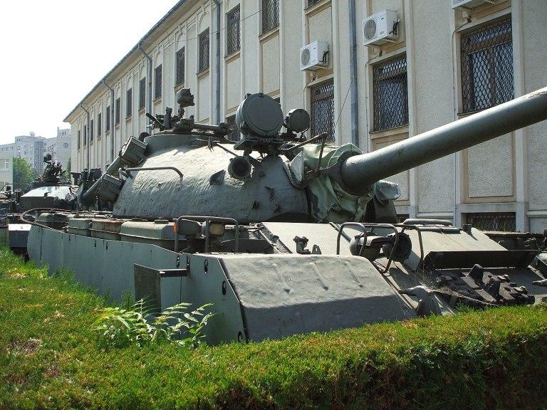 TR-77-580, primul tanc proiectat şi fabricat în România între 1979 şi 1985, bazat pe T-55. Din aproape 400 de tancuri construite, 150 au fost exportate. Foto: Mircea87 / wikipedia